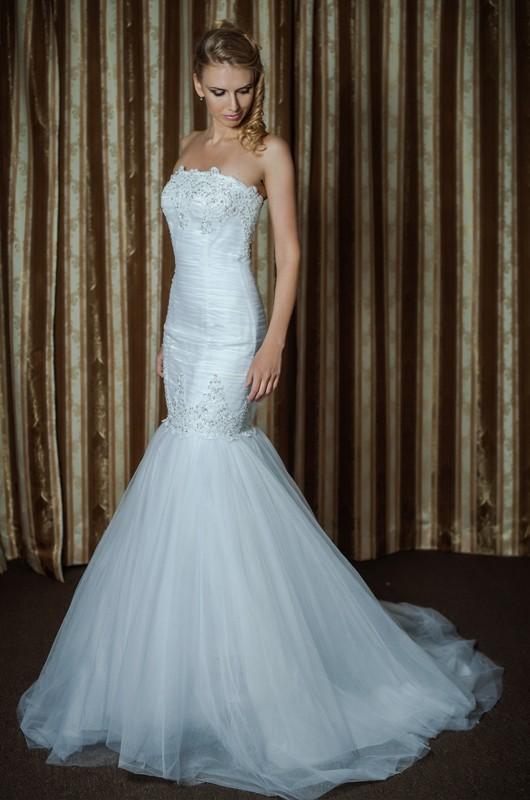 Изящное свадебное платье Русалка/Рыбкас длинным шлейфом.