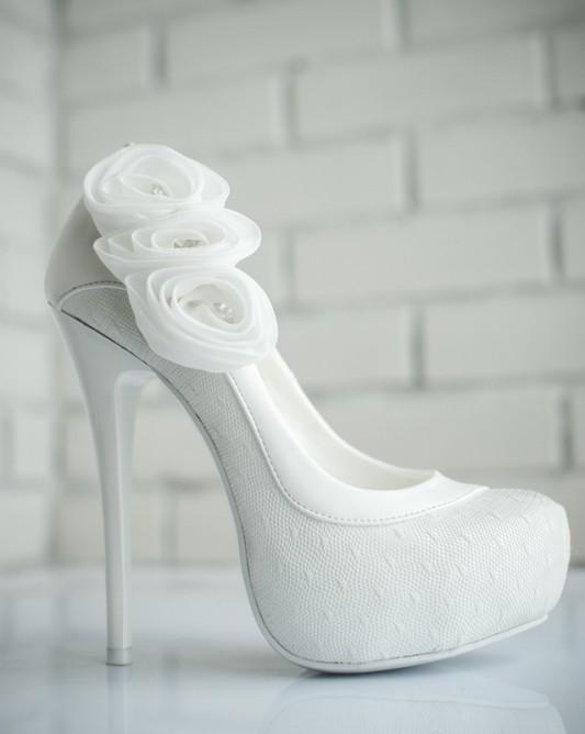 Свадебные туфли на высоком каблуке и скрытой платформе
