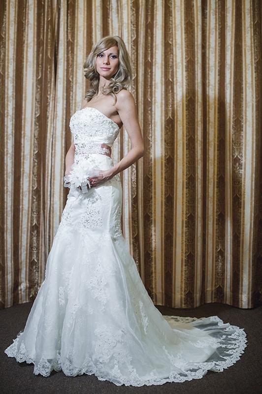 Красивое свадебное платье Русалка/Рыбкас длинным шлейфом.