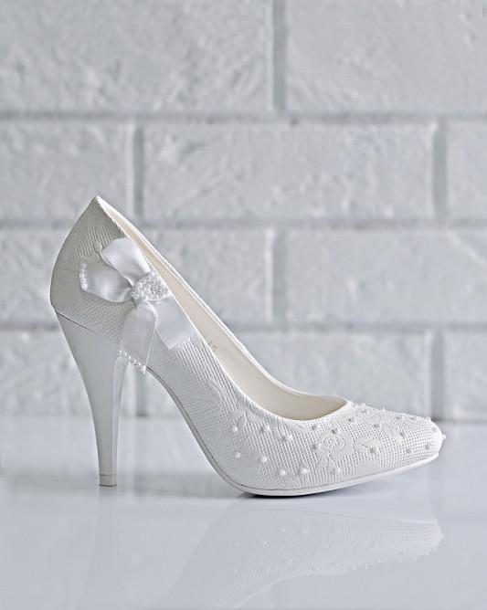 Потрясающие свадебные туфли на высоком каблуке.