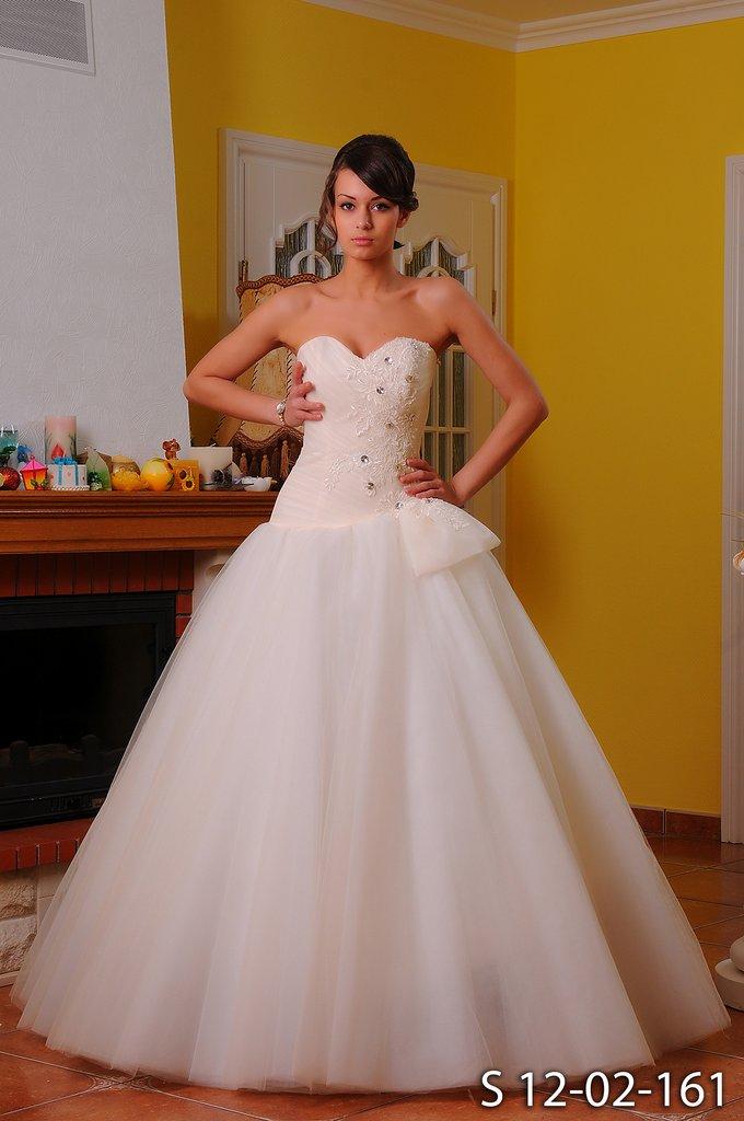 беременные невесты в пышнгых платьях