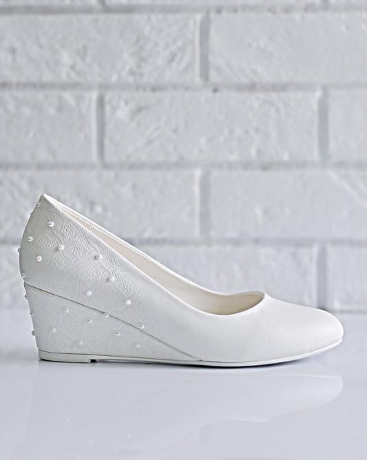 Очень удобные свадебные туфли на танкетке.