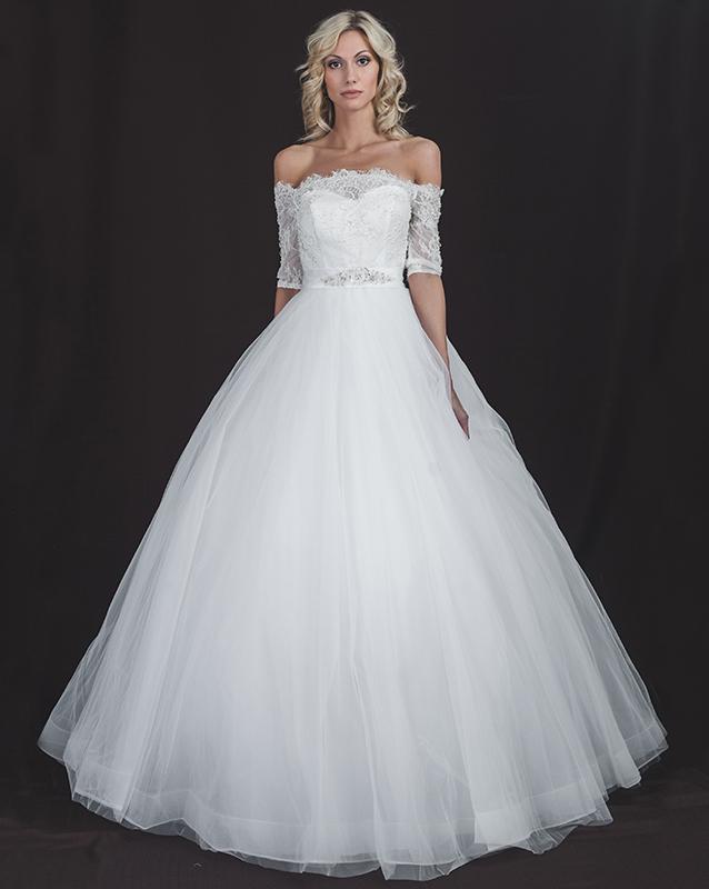 Прекрасное свадебное платье А силуэта с рукавом три четверти