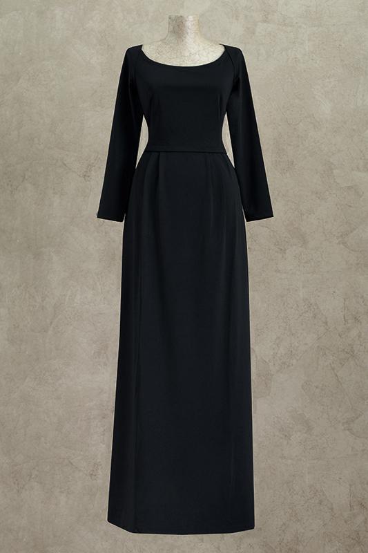Готическое длинное вечернее платье.
