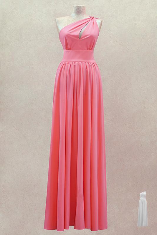 Яркое длинное вечернее платье.