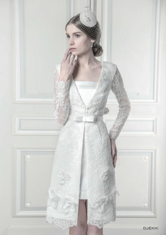 Необыкновенное короткое свадебное платье.