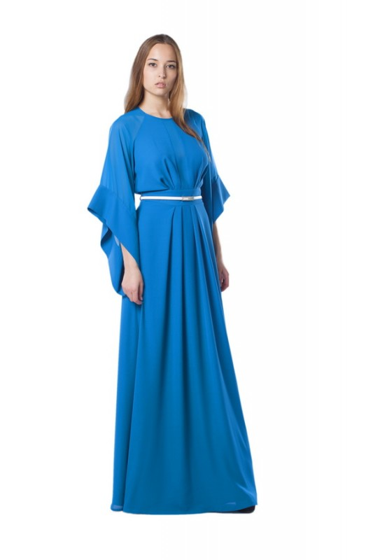 Потрясающее длинное вечернее платье.