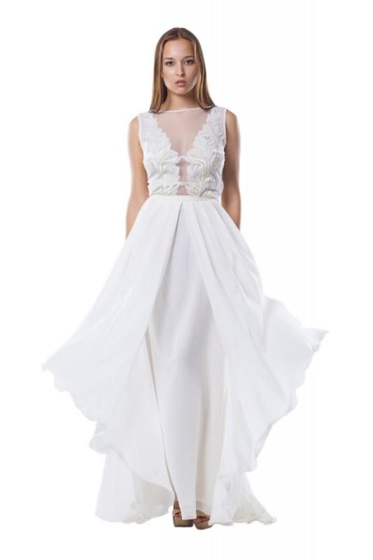 Роскошное прямое длинное платье.