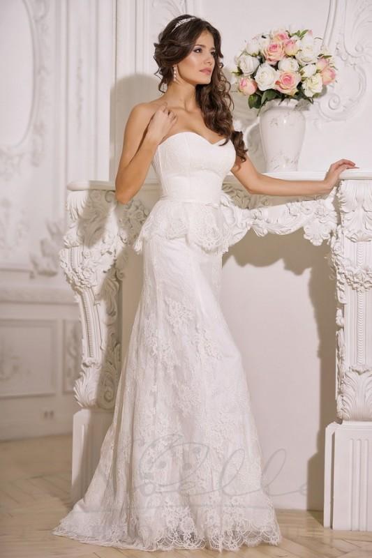 Шикарное прямое свадебное платье.