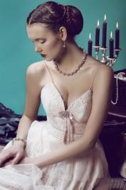 Прямое свадебное платье Малиновый поцелуй2