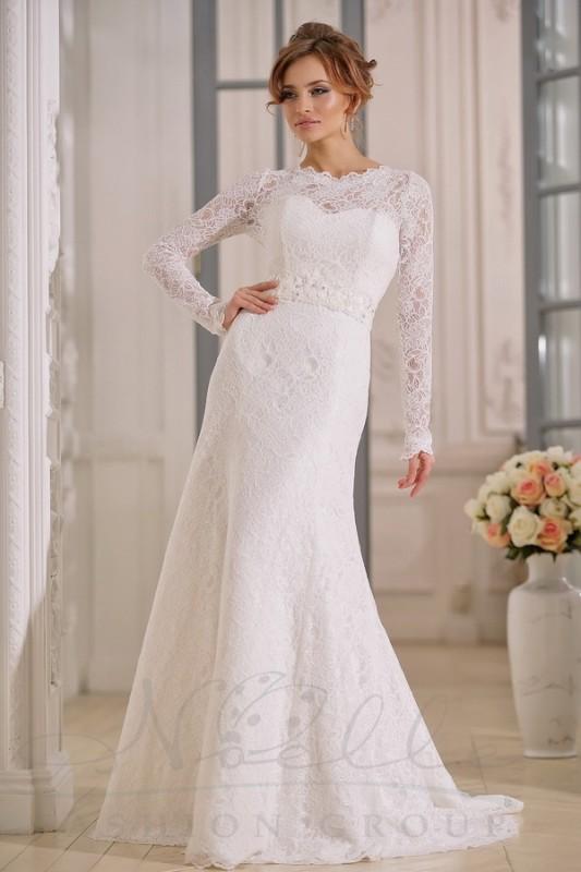 Роскошноепрямое свадебное платье.