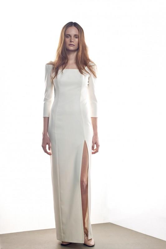 Изящноепрямое свадебное платье.