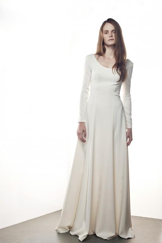 Прекрасноесвадебное платье А силуэта.