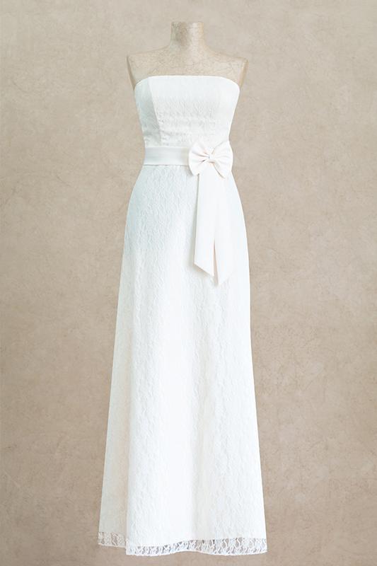 Классическое длинное вечернее платье.