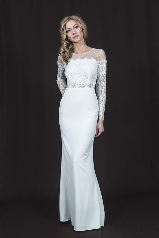 Силуэтноепрямое свадебное платье.