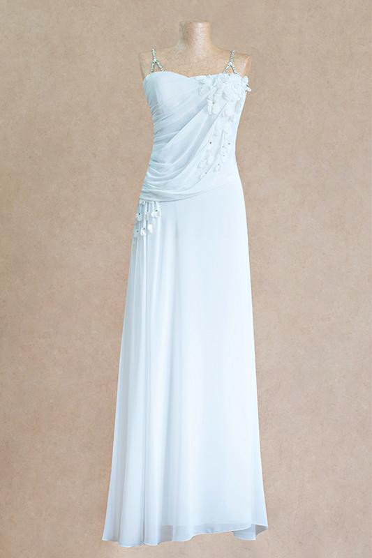 Легкоедлинное вечернее платье.