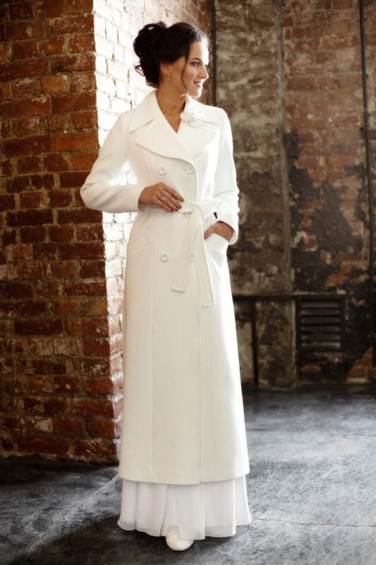 Классическое свадебное пальто с длинными рукавами