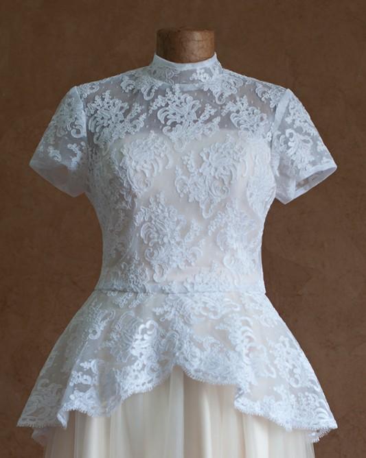 Кружевное свадебное болерос короткимрукавом.