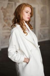 Элегантное свадебное пальто с длинным рукавом 2