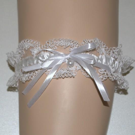 Подвязка с узлом веревочкой.