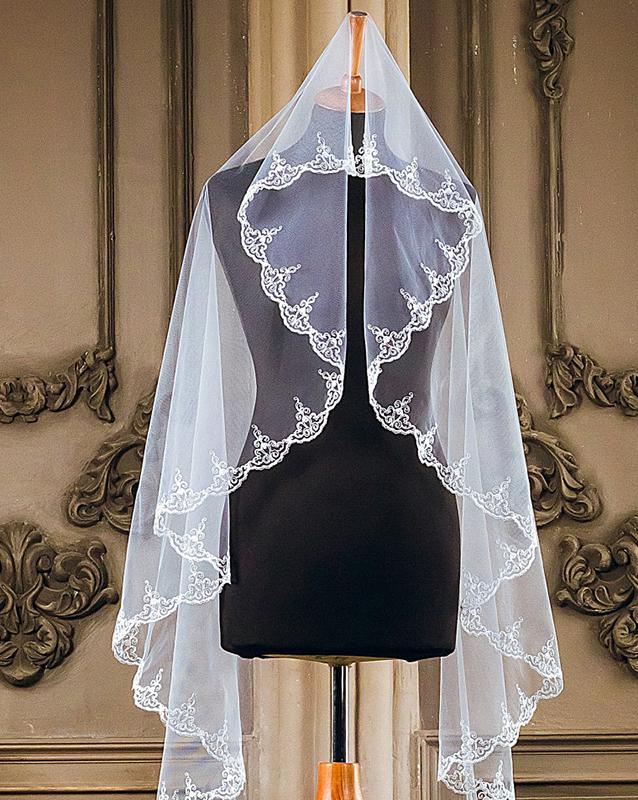 Фата для пышного свадебного платья