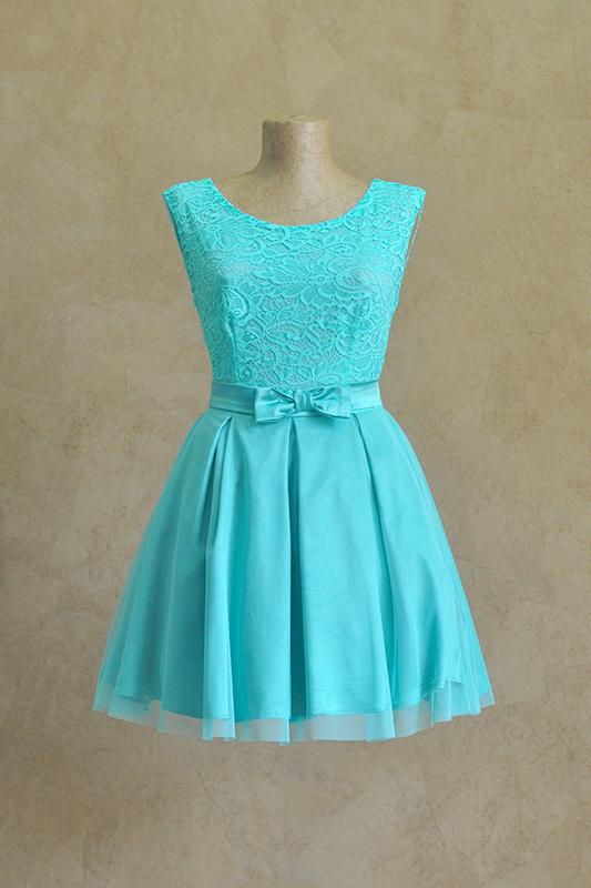 Бирюзовое летнее платье с бантом.