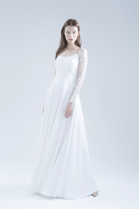 Закрытое свадебное платье Bailey