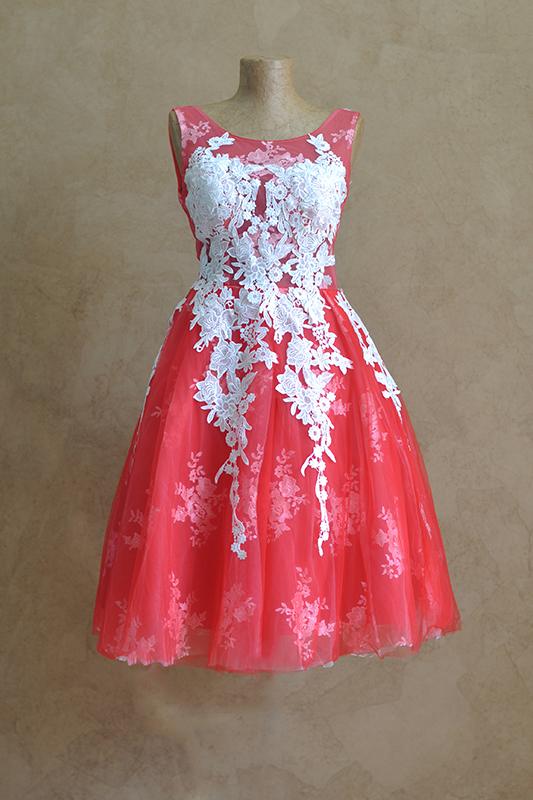 Необычное летнее вечернее платье с зимним принтом.