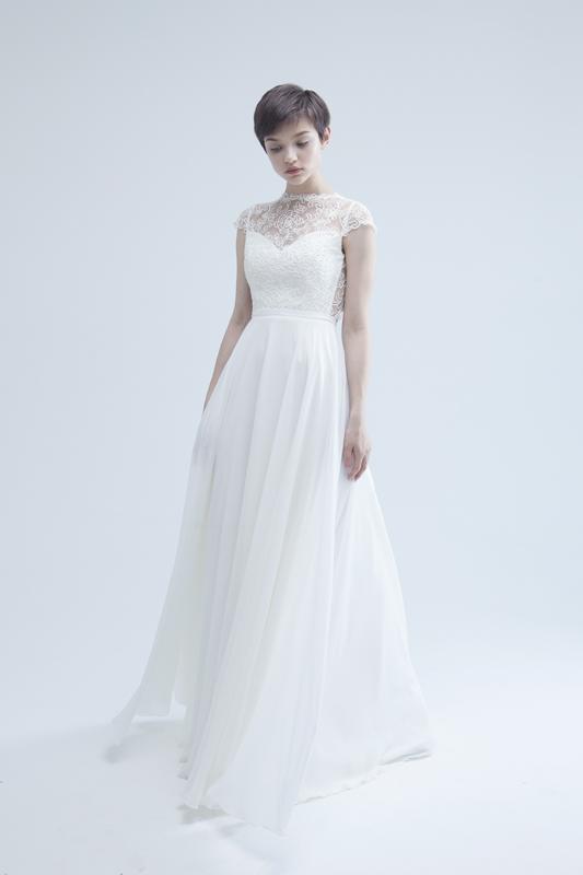 Полузакрытое кружевное свадебное платье А-силуэта Cherry