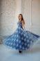 Длинное пышное вечернее платье с элементами кружева