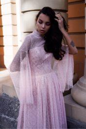 Необычное свадебное платье Малина