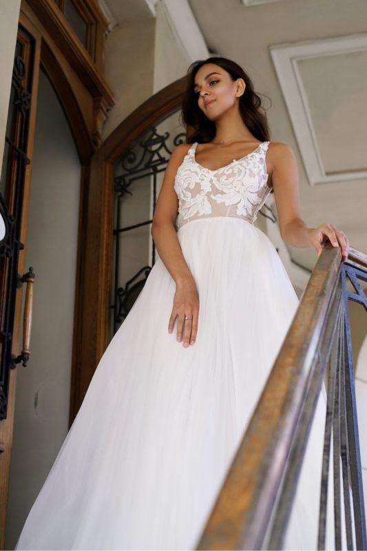 Прямое пышное свадебное платье Соблазн