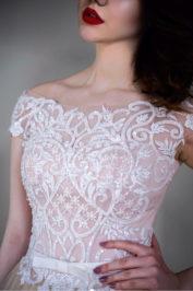 Пышное платье цвета пудры с кружевом Гофре — 2