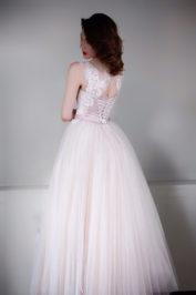 Пышное платье цвета пудры с кружевом Гофре — 5