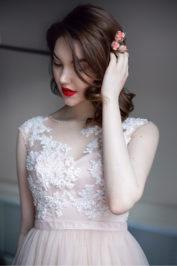 Свадебное платье с кружевом Миланна